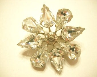 Vintage RHINESTONE BROOCH--Pear Shaped Rhinestones (3254)