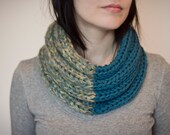Knit cowl chunky green wool blend warm winter women's accessories loop scarf double color