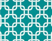 Table Runner in Turquoise & White Gotcha