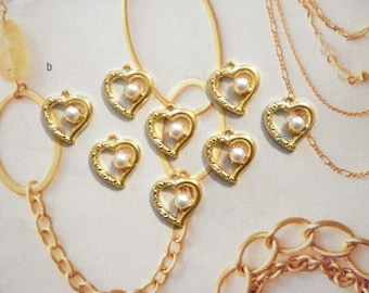 8 Vintage Goldplated 14mm Open Hearts with Pearl