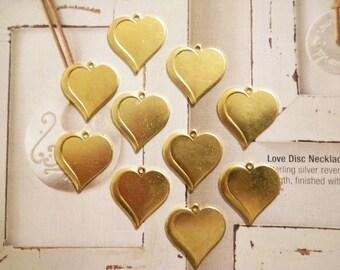 10 Vintage Goldplated 20mm Heart Pendants