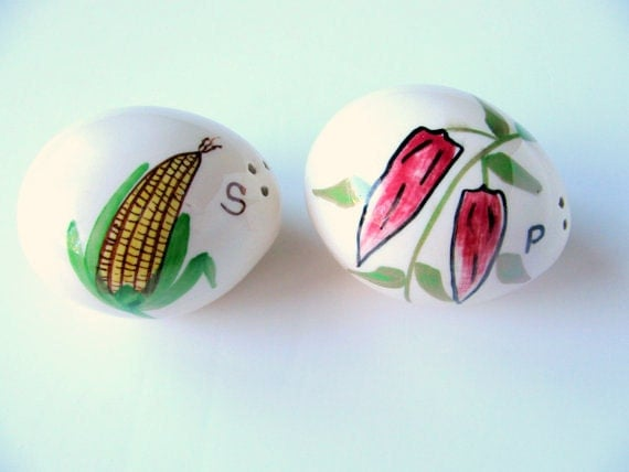 Items similar to salt and pepper shakers egg shaped hand painted farmhouse corn and red pepper - Egg shaped salt and pepper shakers ...