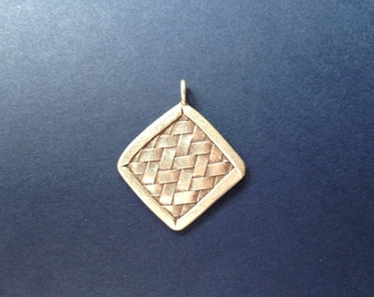 HT-6 Thai Hill Tribe Woven Silver Pendant