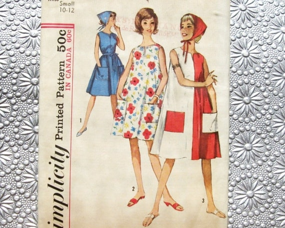 1963 Sun Dress Pattern / 60s Sewing Pattern Simplicity 5300 / Sleeveless Tent Dress with Pockets and Head Scarf / Size 10-12 Small