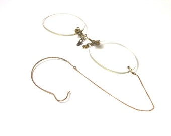 Oval Glasses 10K Yellow Gold Bridge with Original Case and Chain for Ear Holder