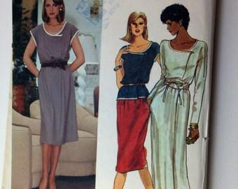 Vintage Vogue Dress or Top Pattern, Vogue 7749, Very Easy Very Vogue, Very Elegant