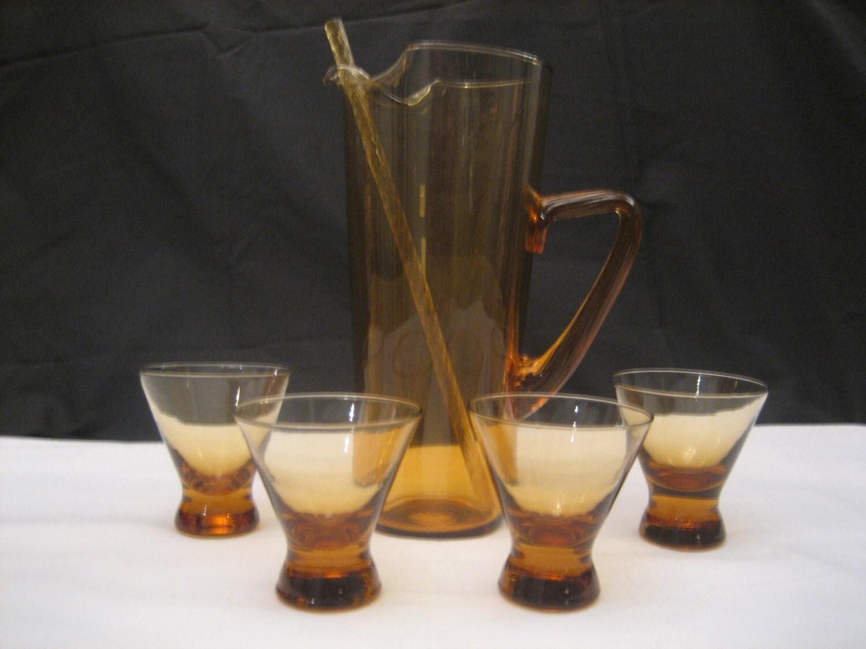 Vintage amber glass martini cocktail set for Martini cocktail