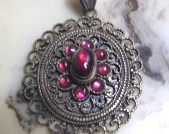 REDUCED beautiful Silver and Garnet Cabochon Pendant India Indian