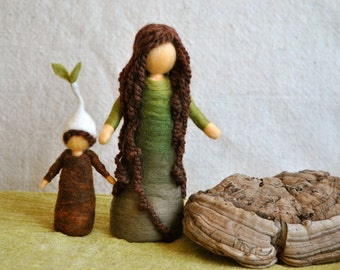 Waldorf inspired needle felted dolls: Mother Earth and Her Child
