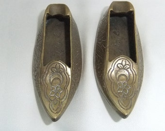 Handmade Fine Metalwork Ottoman-Shoe-Shaped Brass Decoration