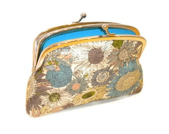 Kiss lock wallet with modern floral print coin purse in turquoise, aqua blue and green and 2 compartments