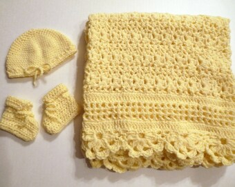Yellow baby blanket, hat and bootie unisex layette set