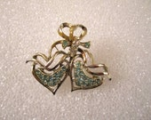 Estate Vintage Green Rhinestone Double Heart Bow Brooch