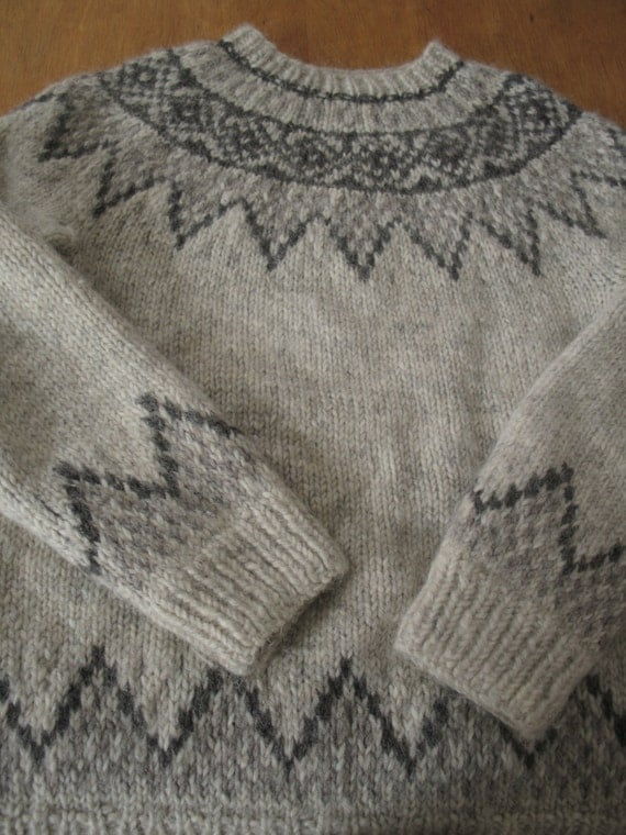Excellent Wool Icelandic Hand Knit Sweater