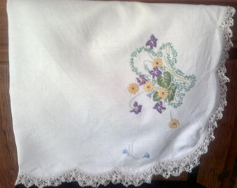 Embroiderd Table Cloth