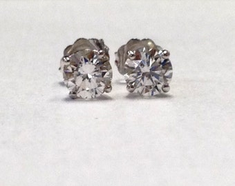 Ladies 14kt white gold Round Brilliant diamond stud earrings 0.25 ctw G-SI2 quality