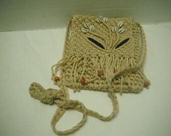 Beaded macrame purse with shells
