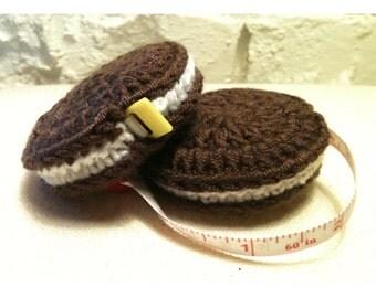 Crochet Oreo Cookie Retractable Tape Measure