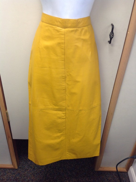 vintage 1980s mustard yellow leather skirt by dejavufashions