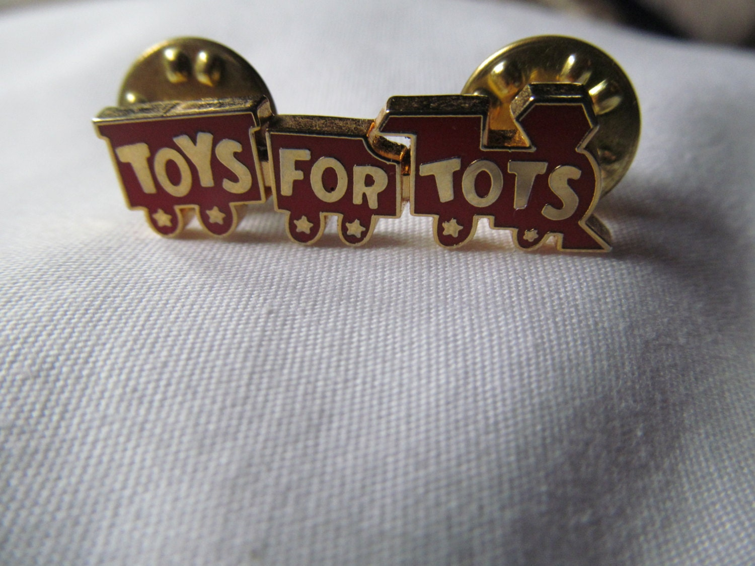 Toys For Tots Rating : Toys for tots pin back broach cho train full of