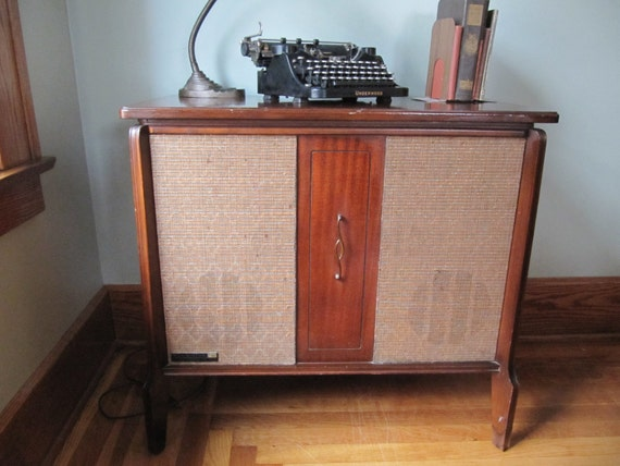 Mid Century Rca Victor Record Player Victrola