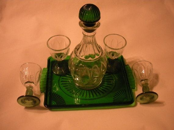 just reduced vintage avon wine decanter set with green. Black Bedroom Furniture Sets. Home Design Ideas