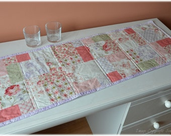 Country cottage decor, cottage chic quilted table runner.  Traditional patchwork in a rustic shabby chic style.  Pink lilac table runner UK
