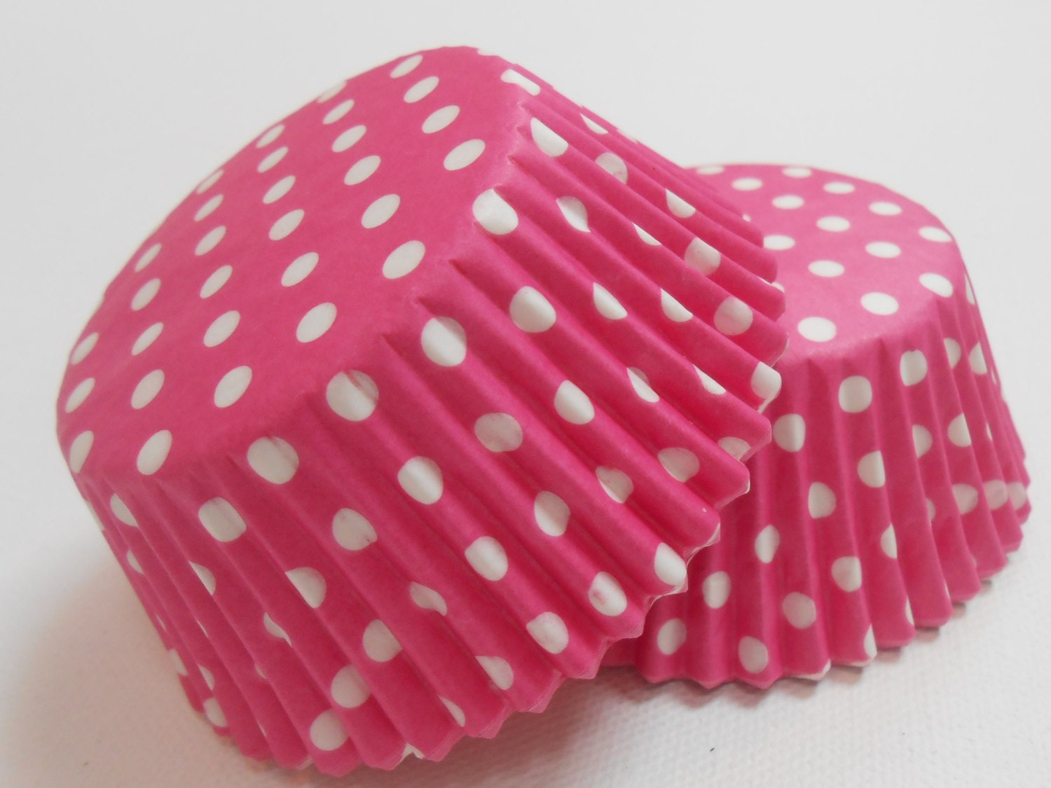 50 pink and white polka dot cupcake liners cupcakes for Red and white polka dot decorations