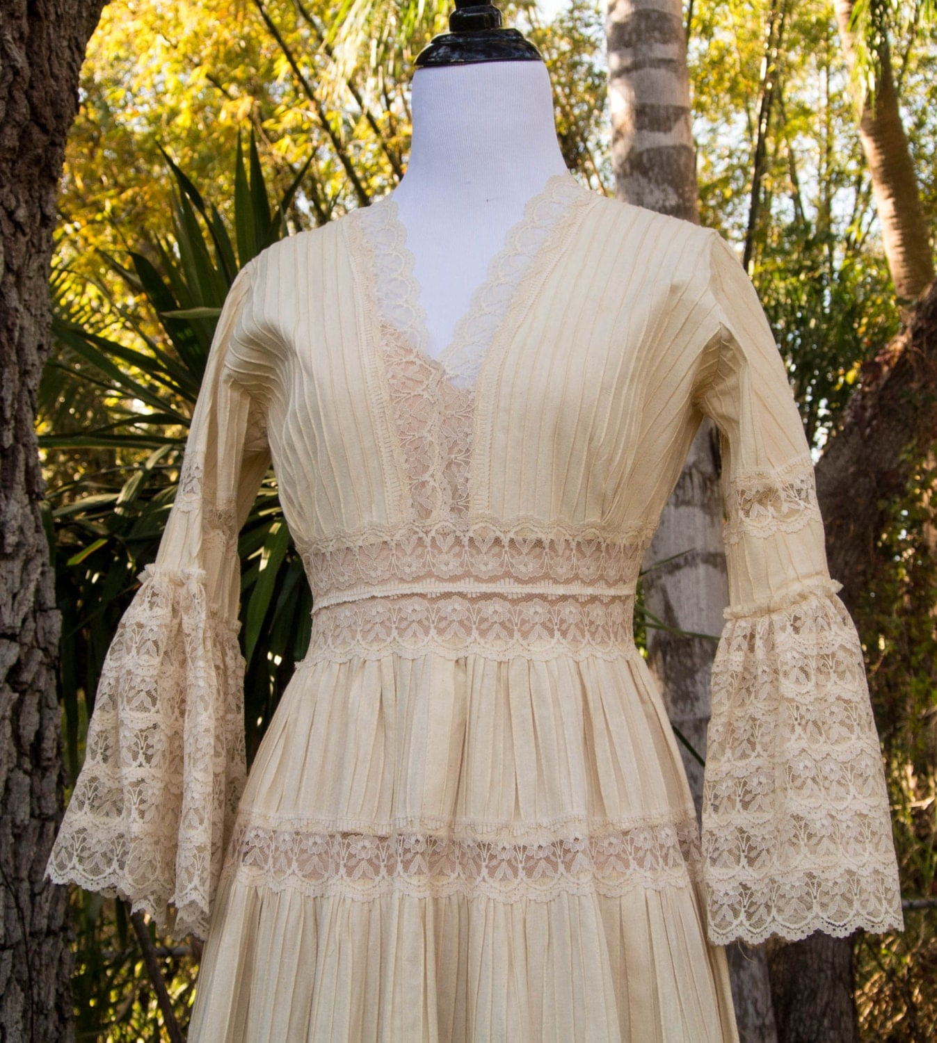 Vintage wedding dress mexican wedding by intuitionvintage for Etsy dresses for weddings