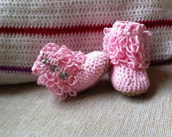 Crochet loopy booties