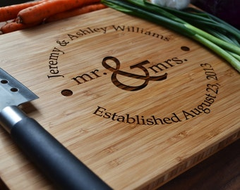 """Personalized Cutting Board """"Mr. and Mrs."""" circle design  Engraved Bamboo Wood for Wedding, Anniversary Gift"""
