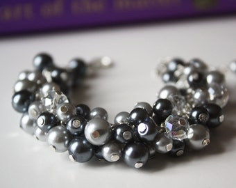 Gray Cluster Bracelet, Gray Bracelet, Gray Pearl Chunky Bracelet, Bridesmaids Gifts, Gray Pearl Bracelet, Grey Bracelet, Chunky Bracelet