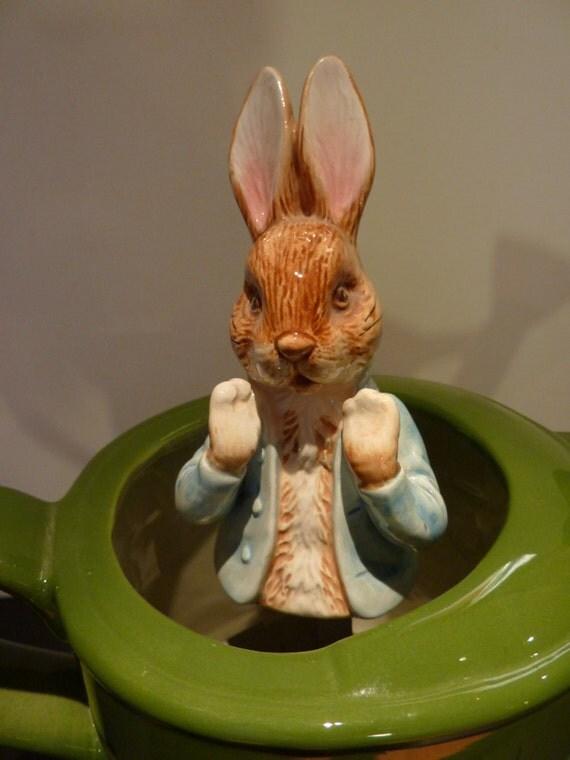 Vintage Schmid 1989 Peter Rabbit Beatrix Potter Green Water Can Music Box  ..