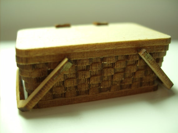 Picnic Basket Kit : Picnic basket kit scale miniature