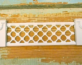 Dollhouse Miniature Decorative Lattice Panel with Columns