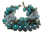Lucite flower bracelet blue beaded bracelet cluster bracelet charm bracelet
