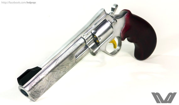 The Ambassador from TF2 - Custom Painted Prop Replica