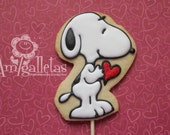 Snoopy with heart cookies
