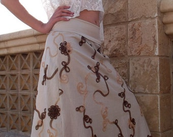 The long linen skirt with embroidered ribbons