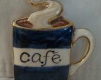 cafe coffee mug pin