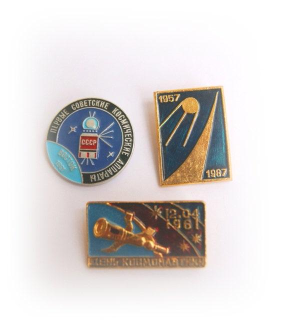 3 Rare vintage USSR Soviet pins cosmos/ astronautic