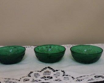 Set of 3 Anchoor Hocking Sandwich Berry Bowls