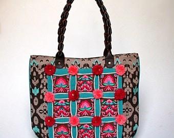 Pom-pom Embroidered Tote / Shopper