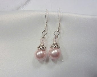 Wedding Earrings - ladies earrings - Pink Pearl earrings - Bridesmaid Gift - Pearl Earrings.