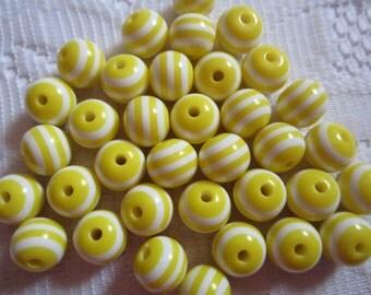 20  White & Lemon Yellow Striped Round Resin Acrylic Beads  10mm