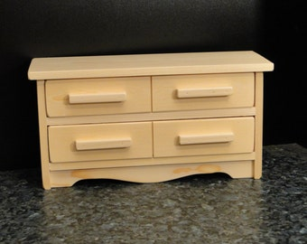 Large Dresser for 18 inch Dolls (076)