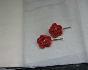 Red chrocheted flower bobby pins
