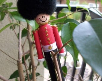 UK English Queen's Guard Hand painted Adorable Wooden Toy Soldier Ornament for Christmas or Band Gift