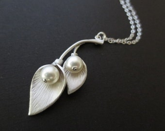 Double Calla Lily Flower Necklace in STERLING SILVER CHAIN--Pearl Necklace-Perfect Gift for mom for friends,Birthday Present for her.
