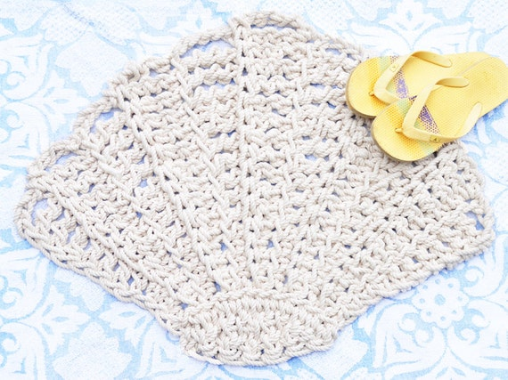 Scallop seashell rug bath mat rope rug handmade to order for Rope bath mat